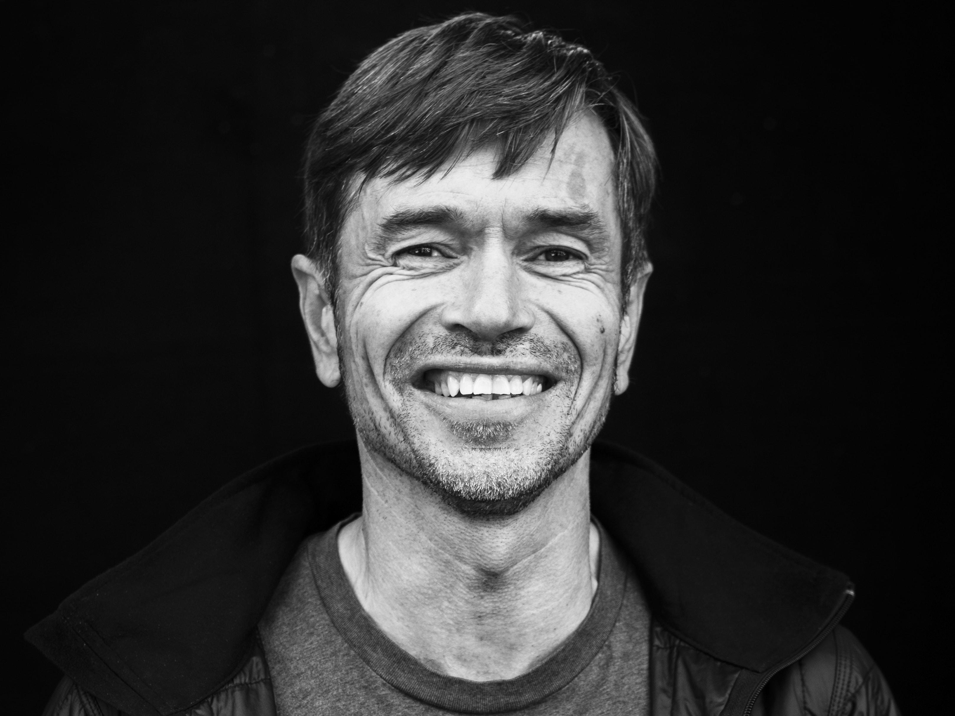 Sosiolog, forfatter, tidligere prosjektleder i Norsk Form, amanuensis på Lillehammer Høgskole og dosent ved Oslo Markedshøyskole