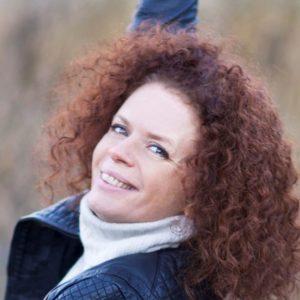 Nina Nakling