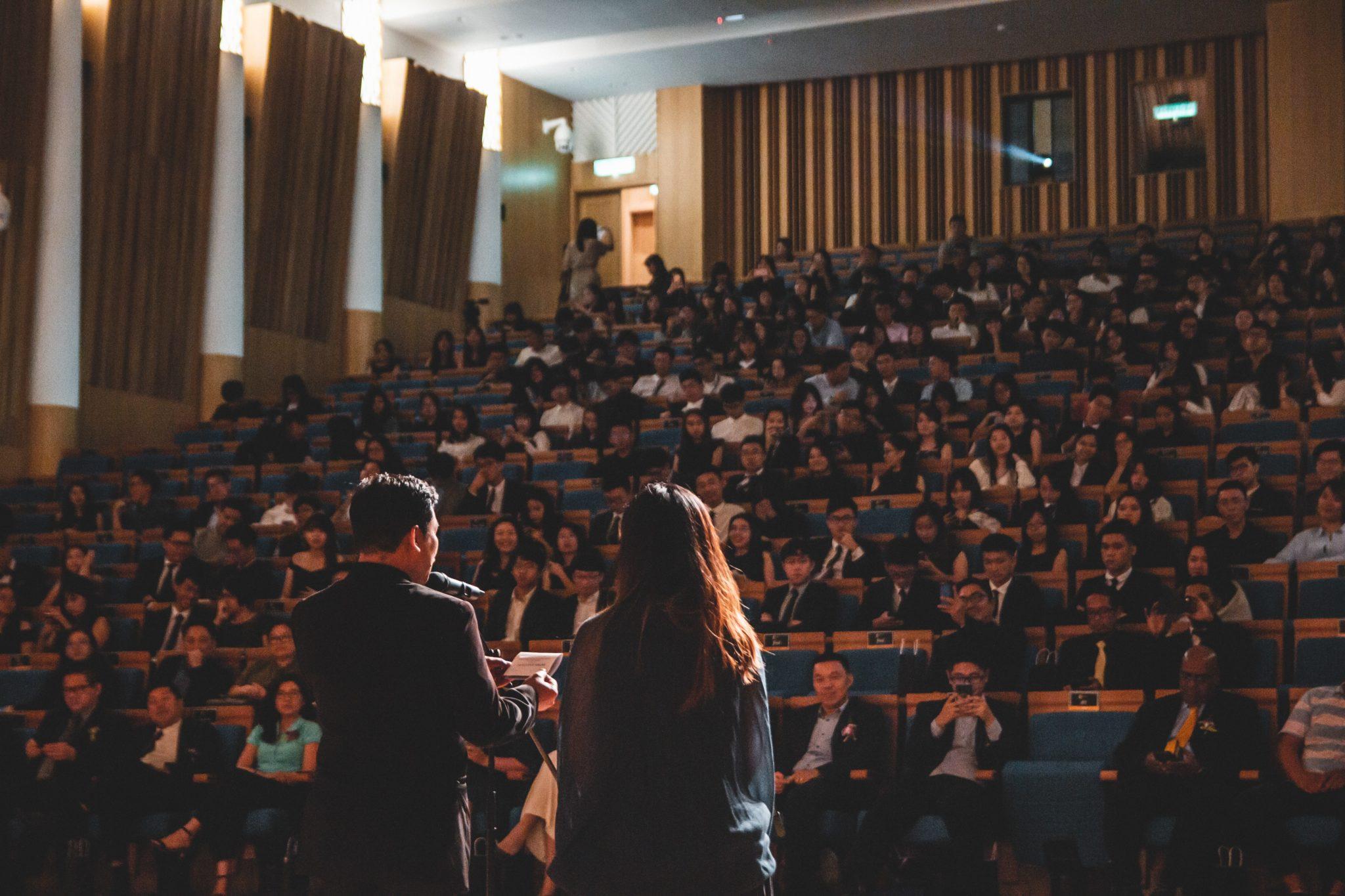 De tre beste grunnene til å booke ditt neste foredrag gjennom et byrå